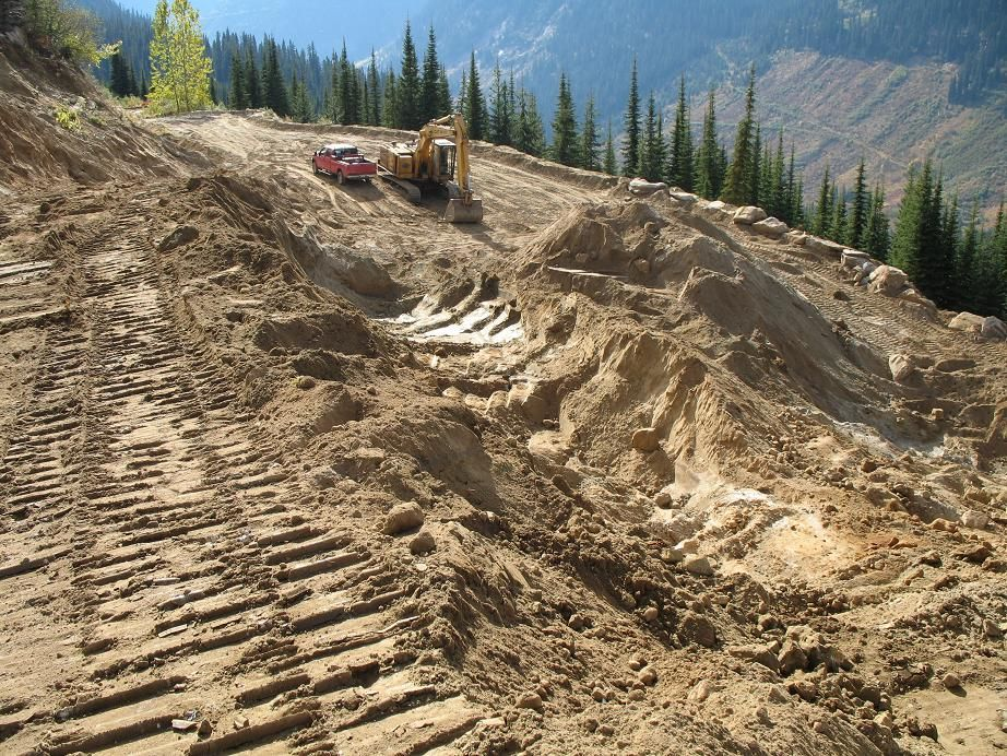 Working pit with excavator