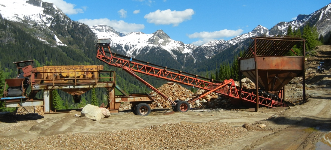 Screening equipment removes oversize rocks